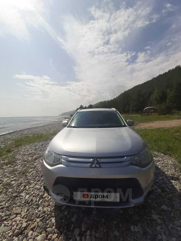 Mitsubishi Outlander, 2014 год, 975 000 руб.
