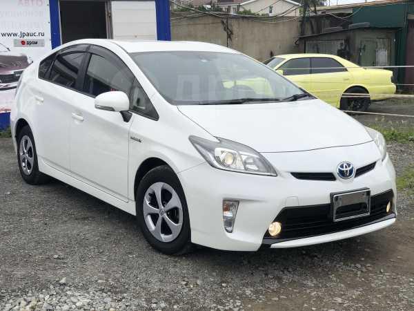 Toyota Prius, 2014 год, 858 000 руб.