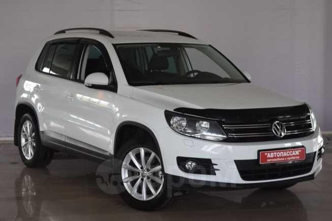 Volkswagen Tiguan, 2016 год, 1 100 000 руб.