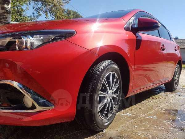 Toyota Auris, 2015 год, 786 000 руб.