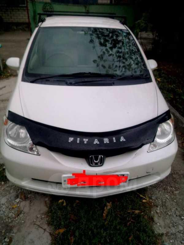 Honda Fit Aria, 2004 год, 270 000 руб.
