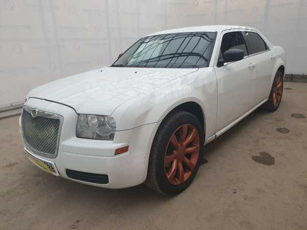 Chrysler 300C, 2004 год, 559 000 руб.