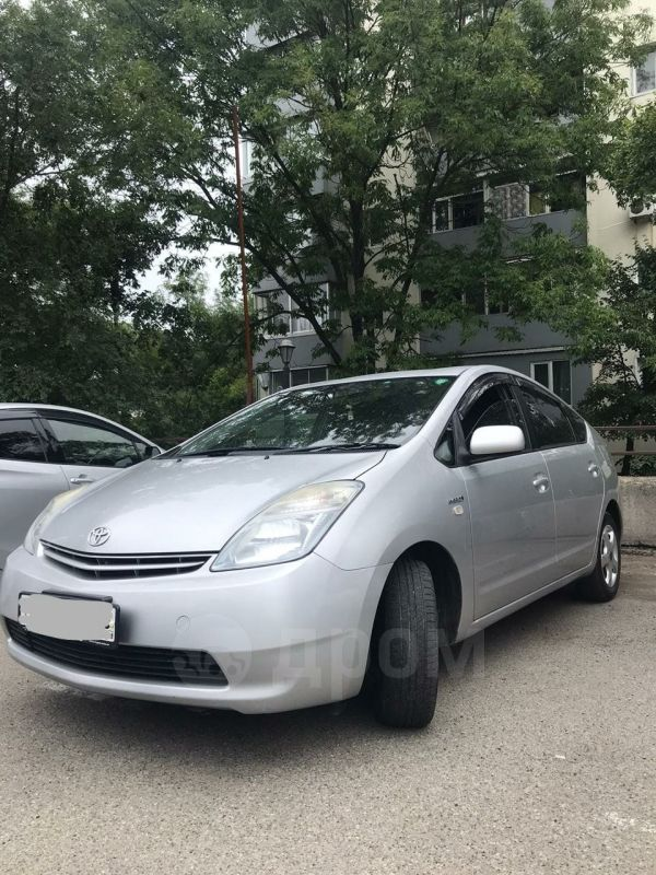 Toyota Prius, 2011 год, 525 000 руб.