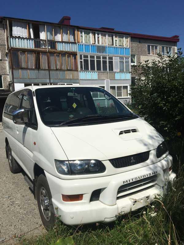 Mitsubishi Delica, 2000 год, 305 000 руб.