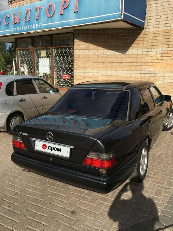 Mercedes-Benz E-Class, 1994 год, 140 000 руб.