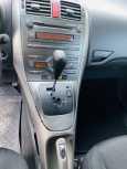 Toyota Auris, 2009 год, 585 000 руб.