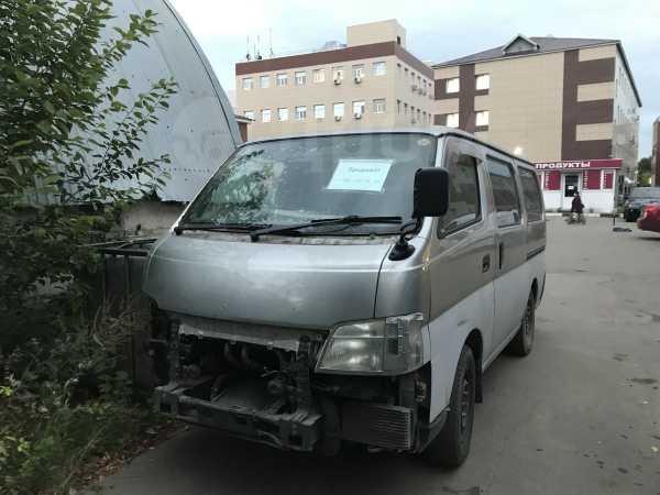 Nissan Caravan, 2003 год, 270 000 руб.