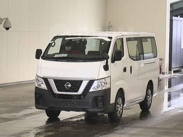 Nissan NV350 Caravan, 2018 год, 1 390 000 руб.