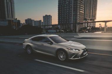 В России начали продавать Lexus ES 250 в спецверсии Advance: 3 076 000 рублей