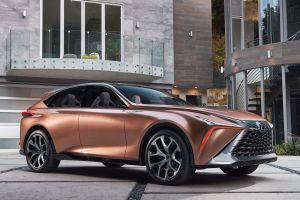 Lexus зарегистрировал в России большой кроссовер TX