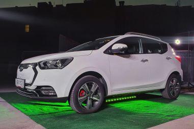 Названа стоимость самого доступного нового электромобиля в России