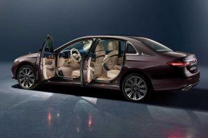 Длиннобазный Mercedes-Benz E-класса стал еще больше после рестайлинга