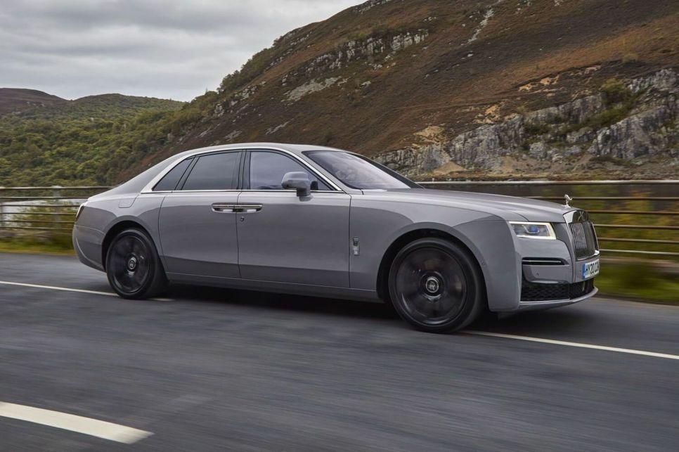 Доступный Rolls-Royce: рама, полный привод и другие нюансы нового седана Ghost