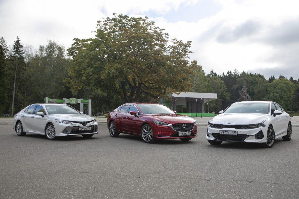 Премьера против хита и старожила рынка: Kia K5 vs Camry и Mazda6