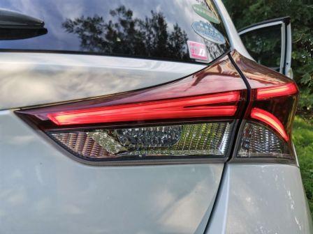 Toyota Auris 2015 - отзыв владельца