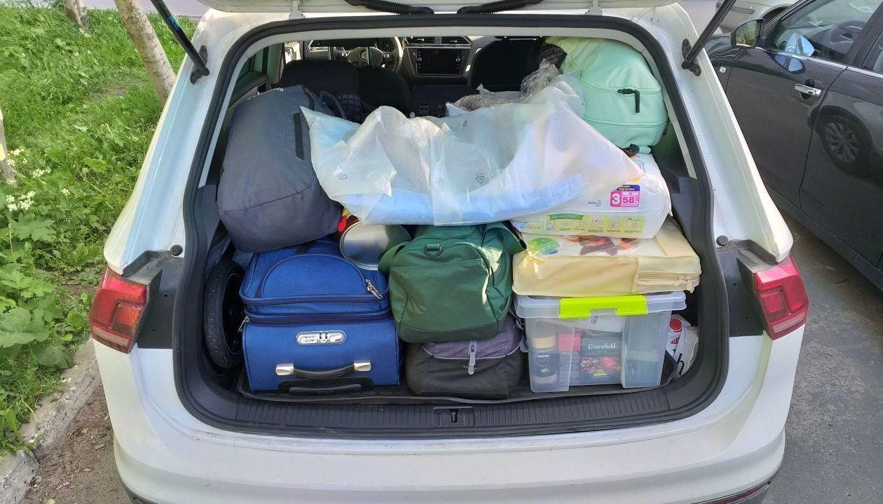 Наглядно, но не видно что в багажнике коляска peg perego book cross,детский стул evomove nomi и 2 ящика пива. Сидения сдвинуты вперед на 10 см.