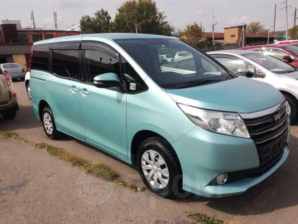 Toyota Noah, 2015 год, 1 260 000 руб.
