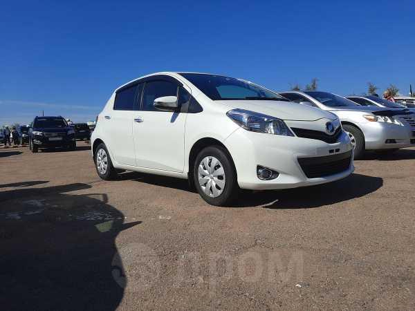Toyota Vitz, 2014 год, 528 000 руб.