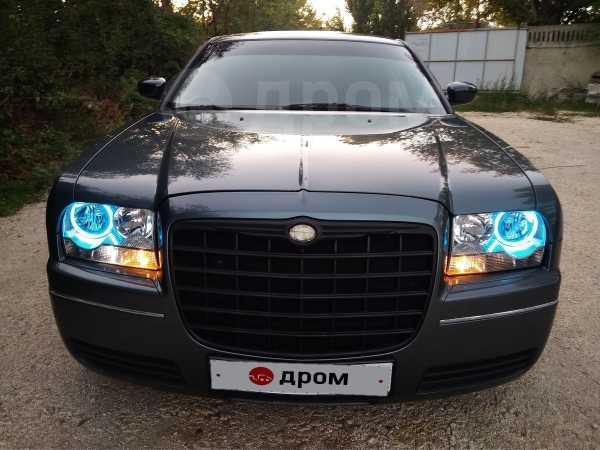 Chrysler 300C, 2004 год, 499 000 руб.