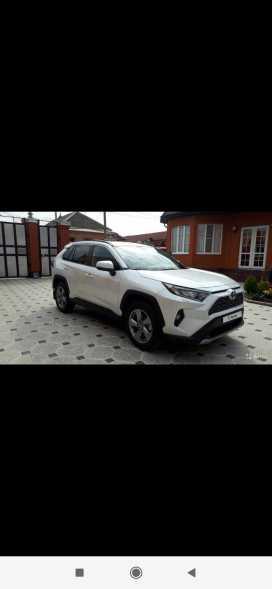 Назрань Toyota RAV4 2020