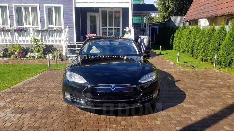 Tesla Model S, 2013 год, 2 499 000 руб.