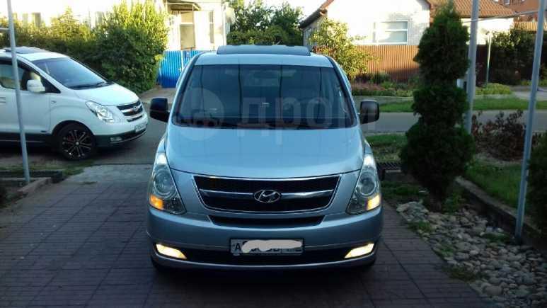 Hyundai Grand Starex, 2009 год, 825 000 руб.