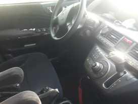 Гиагинская Honda Elysion 2006
