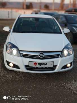 Грозный Opel Astra 2012