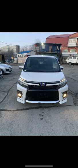 Владивосток Toyota Voxy 2017