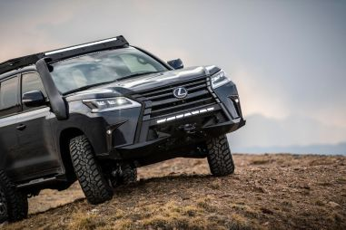 Lexus LX превратили в «экспедиционник» специально для женщин