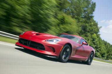 Dodge умудрился продать два новых спорткара Viper, хотя их прекратили выпускать еще в 2017-м