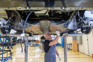 АвтоВАЗ повысит зарплату сотрудникам на 3,5%