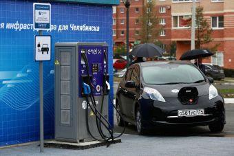 «Россети» рассказали, когда подзарядка электромобиля на трассе перестанет быть проблемой