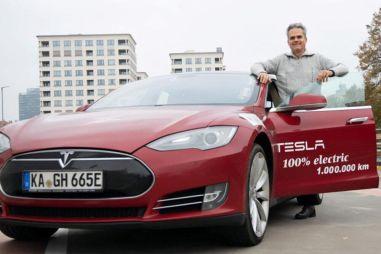 Немец хочет проехать на Tesla Model S более миллиона миль