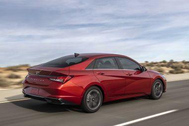 Стало известно, с какими моторами новая Hyundai Elantra приедет в Россию