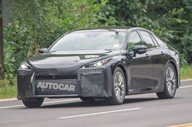 Водородный седан Toyota Mirai замечен на дорогах общего пользования