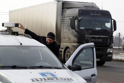Камеры научились выявлять грузовики, которые объезжают «Платон»