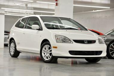 Honda Civic 2003 года продают по цене автомобиля 2020-го