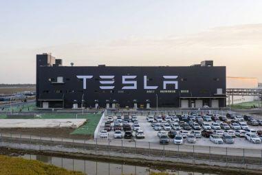 От Tesla до КАМАЗа: стоимость автокомпаний мира