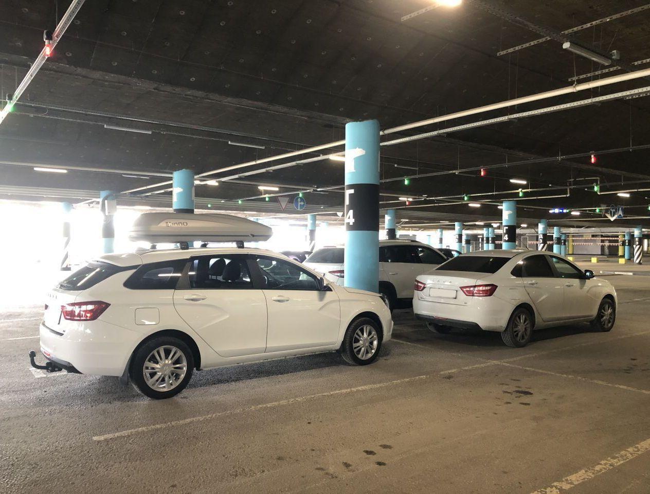 Припарковалась у моей машины Веста универсал с таким же мотором 1.8