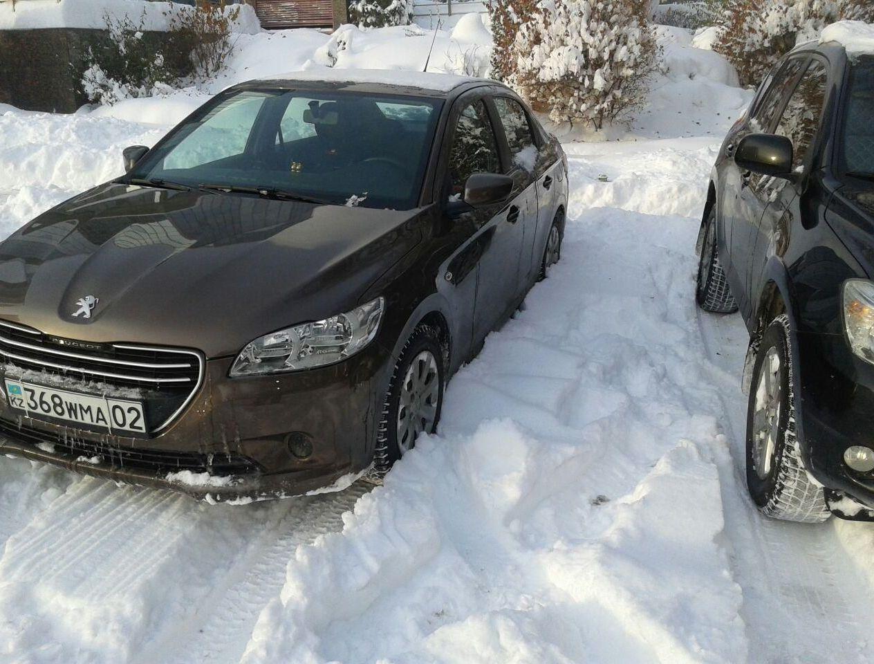 С резиной КАМА НК-519 главное - чтобы снег был ниже номера. В этот раз припарковался на пустой парковке, потому что ее не чистили :)