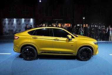 Geely рассказала, когда начнет принимать заказы на 238-сильного конкурента Renault Arkana