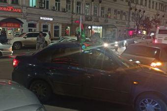Полиция получила приказ задерживать автомобили с флагами Турции, Армении или Азербайджана