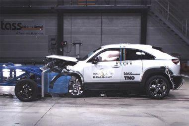 Первая электрическая Mazda стала самым безопасным автомобилем в рейтинге Euro NCAP с начала года (ВИДЕО)