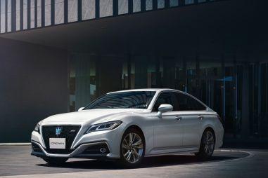 Toyota Crown перестанет быть седаном