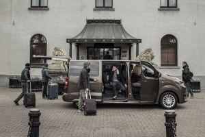 Toyota представила электрический пассажирский вэн ProAce Verso
