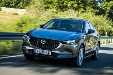 В России начался прием заказов на Mazda CX-30: от 1 869 000 рублей