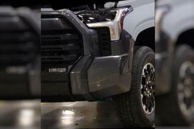 В Сеть попали первые фото новой Toyota Tundra