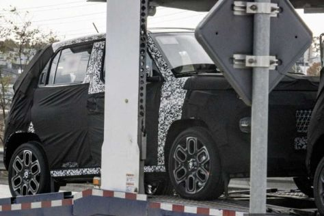 Hyundai выкатила на дорожные тесты городской кроссовер длинной менее 4 метров