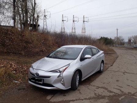 Toyota Prius 2017 - отзыв владельца